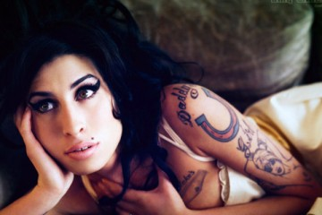 amy-winehouse-that-grape-juice-750x400